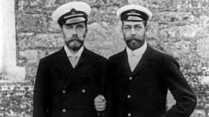 Nikolay II con George V